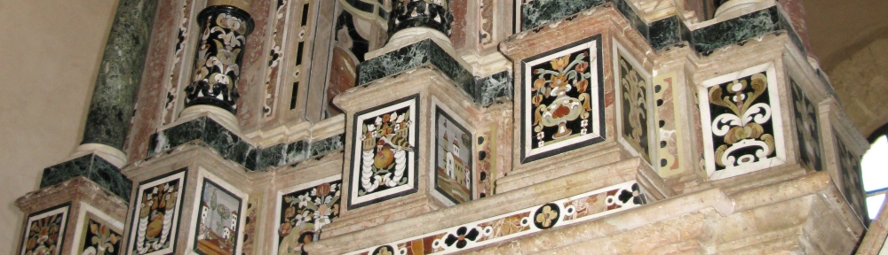 Particolare dell'altare Chiesa di S. Francesco di Gerace (RC)